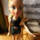 Bratz Cloe Doll, Dresses, clothes and shoes