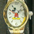 Brand-New Disney ladies Mickey Mouse Watch! Unique Oval Bezel! Stunning Band!