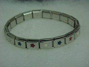 Red/White/Blue Metal Expandable Bracelet  A465 tnk-ent