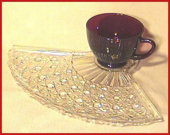 Anchor Hocking Fan Shaped Snack Set with Ruby Cup