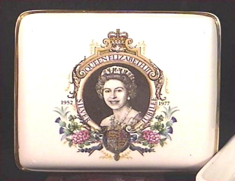 Commemorative Queen Elizabeth Silver Jubilee Sweets Box