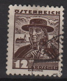 Austria 1934/35 - Scott  360  used -  12g,  Upper Austria  costume  (8-377)