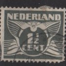Netherlands 1926/39  - Scott  167 used -  1.1/2c, Gull  (9-499)
