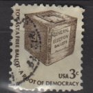 USA 1975 - Scott 1584 used - 3c,  Americana issue, Early ballot box (12-547)