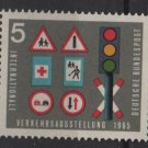 Germany 1965 - Scott  919 MNH - 5pf, Traffic lights & signs (13-362)