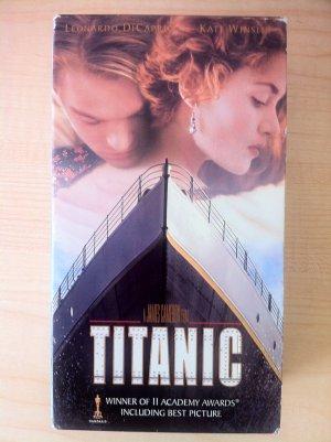 TITANIC MOVIE (VHS, 1998, 2-Tape Set)