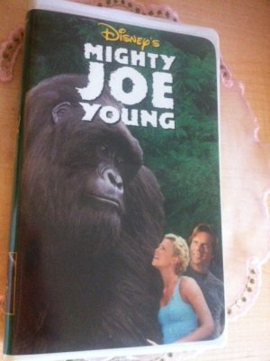 MIGHTY JOE YOUNG VHS Movie Clamshell Case Walt Disney