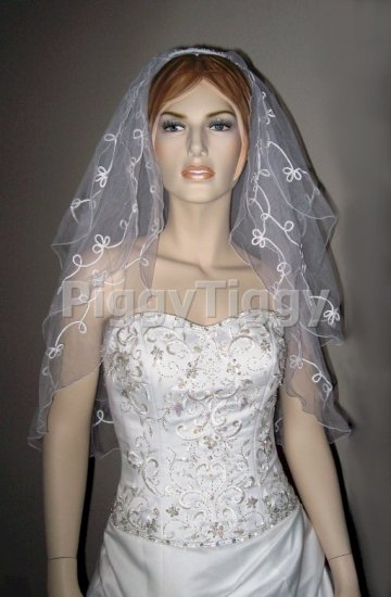 New White 3 Tier Elbow Length Lace Wedding Dress Bridal Tiara Veil Vby2186