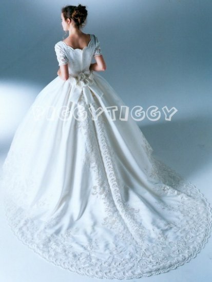 NEW DAZZLING WEDDING DRESS BRIDAL GOWN WITH EXQUISITE TRAIN SIZE 12