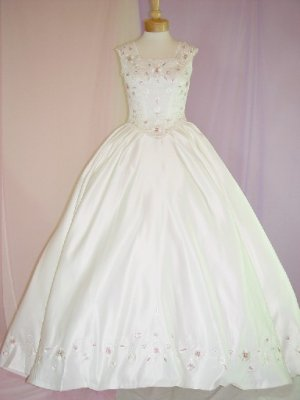 NWT LOVELY OFFWHITE WEDDING DRESS BRIDAL GOWN with RUM PINK EMBROIDERY SIZE
