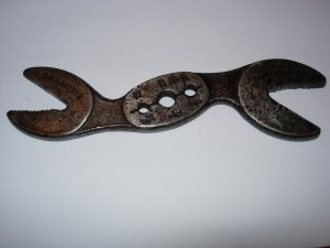 VINTAGE THE HAWKEYE ALLIGATOR WRENCH, MARSHALLTOWN, IA