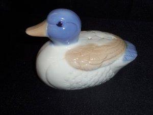Fragrant Ceramic Bird Duck Sculpture Figurine w/ Cedar Chips Inside Action Korea