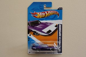 Hot Wheels 2012 Muscle Mania Mopar '70 Plymouth Superbird (purple)