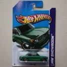 Hot Wheels 2013 HW Showroom BMW 2002 (green)
