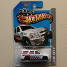 Hot Wheels 2013 HW City '07 Chevy Tahoe (white)