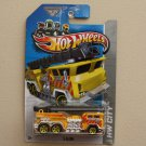 Hot Wheels 2013 HW City 5 Alarm (yellow)