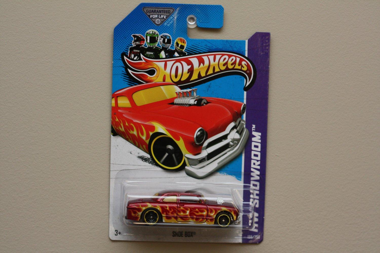 Hot Wheels 2013 HW Showroom Shoe Box (red)