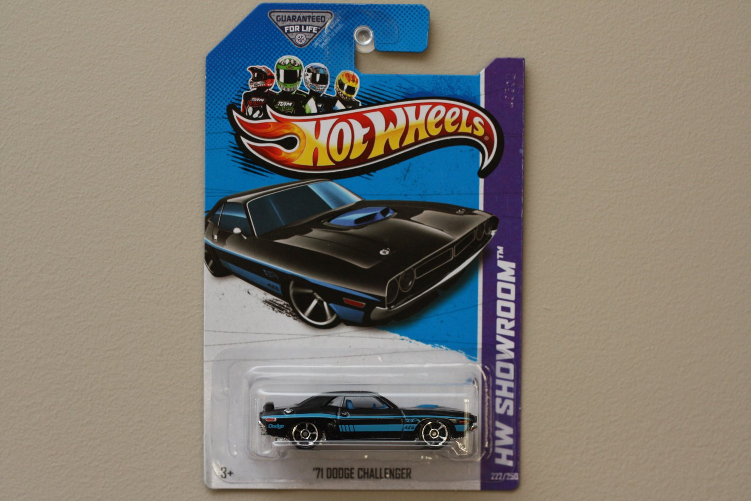 Hot Wheels 2013 HW Showroom '71 Dodge Challenger (black)
