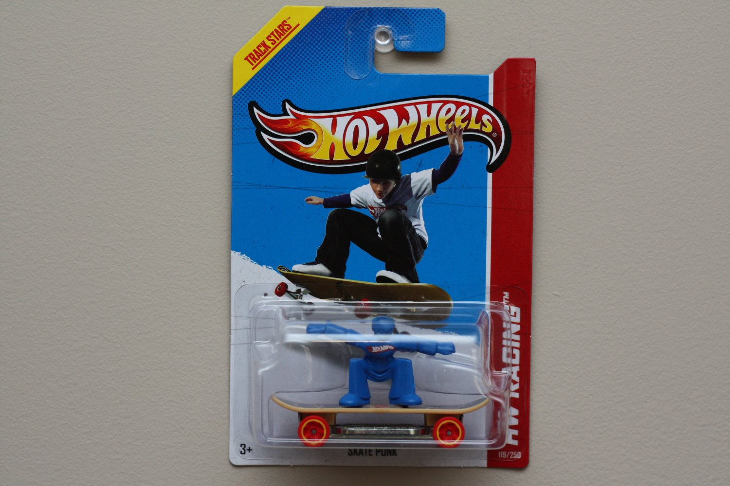 Hot Wheels 2013 HW Racing Skate Punk