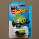 Hot Wheels 2014 HW City Angry Birds (Minion Pig)