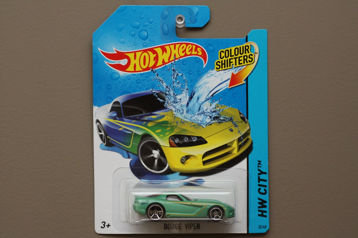 hot wheels 2014 color shifters dodge viper teal to yellow. Black Bedroom Furniture Sets. Home Design Ideas