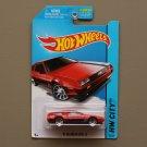 Hot Wheels 2014 HW City '81 Delorean DMC-12 (red)