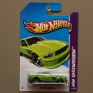 Hot Wheels 2013 HW Showroom '07 Ford Mustang (green)