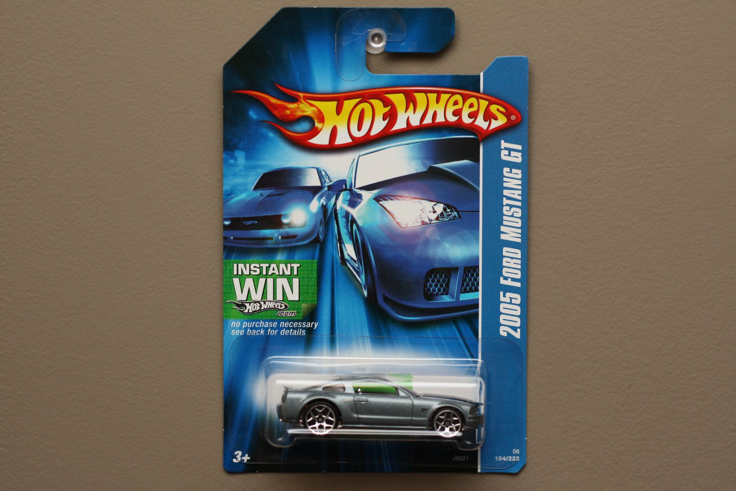 Hot Wheels 2006 Collector Series '05 Ford Mustang GT (grey)