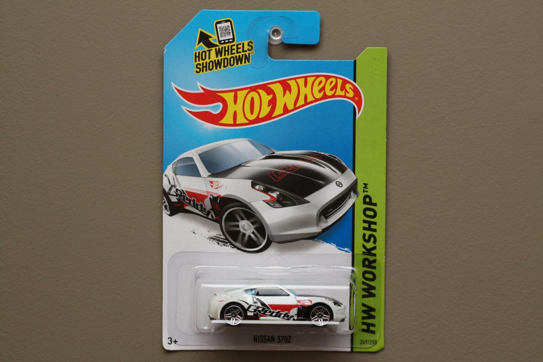 Hot Wheels 2014 HW Workshop Nissan 370Z (white)