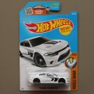 Hot Wheels 2016 Muscle Mania '15 Dodge Charger SRT Hellcat (white)
