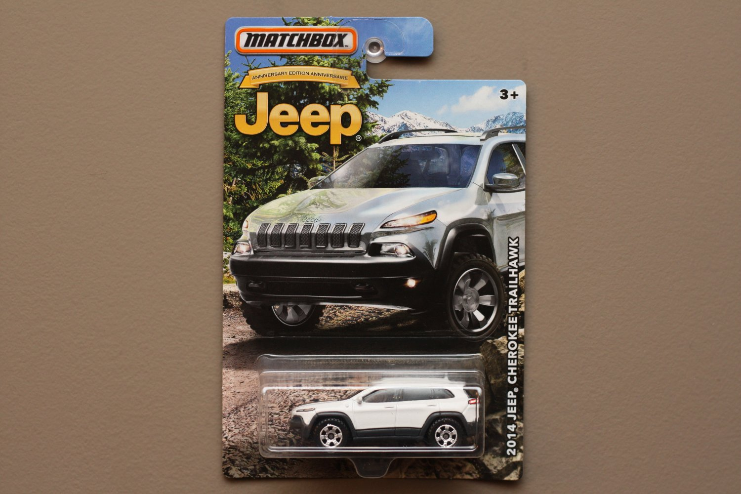 Matchbox 2016 Jeep Anniversary Edition '14 Jeep Cherokee Trailhawk