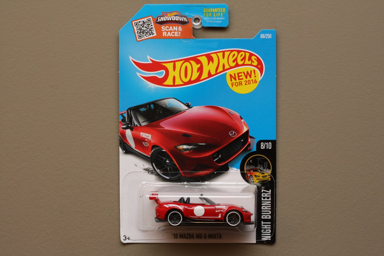 Hot Wheels 2016 Nightburnerz '15 Mazda MX-5 Miata (red)