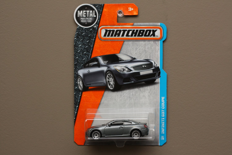 Matchbox 2016 MBX Adventure City Infiniti G37 Coupe (grey)