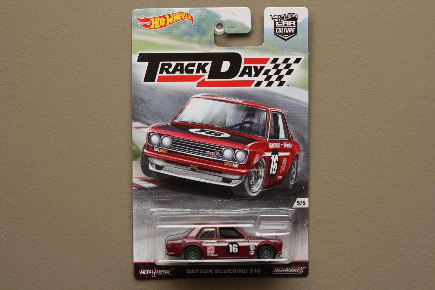 Hot Wheels 2016 Car Culture Track Day Datsun Bluebird 510