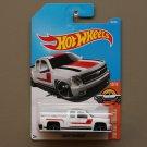 Hot Wheels 2017 HW Hot Trucks Chevy Silverado (white)