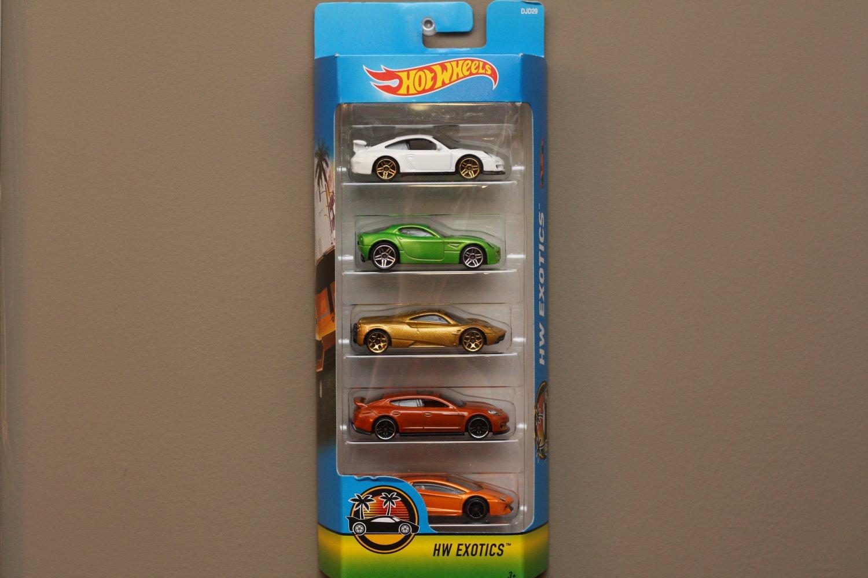 Hot Wheels 2017 5-Packs HW Exotics (Porsche, Alfa Romeo, Pagani, Lamborghini)