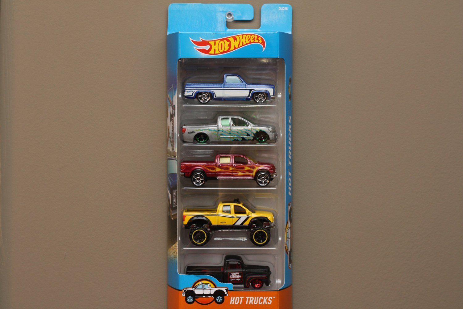 Hot Wheels 2017 5-Packs Hot Trucks (Chevy, Nissan, Ford, Toyota)