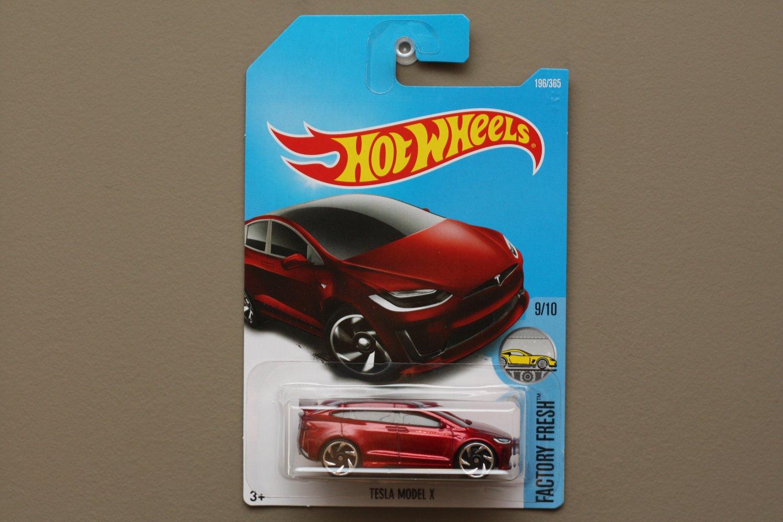 Hot Wheels 2017 Factory Fresh Tesla Model X (red)
