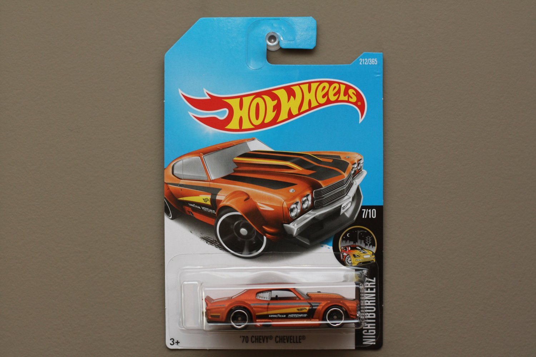Hot Wheels 2017 Nightburnerz '70 Chevy Chevelle (orange)
