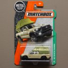 Matchbox 2017 MBX Explorers '16 Toyota Tacoma (tan)