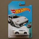 Hot Wheels 2017 Tooned Lamborghini Countach (white)