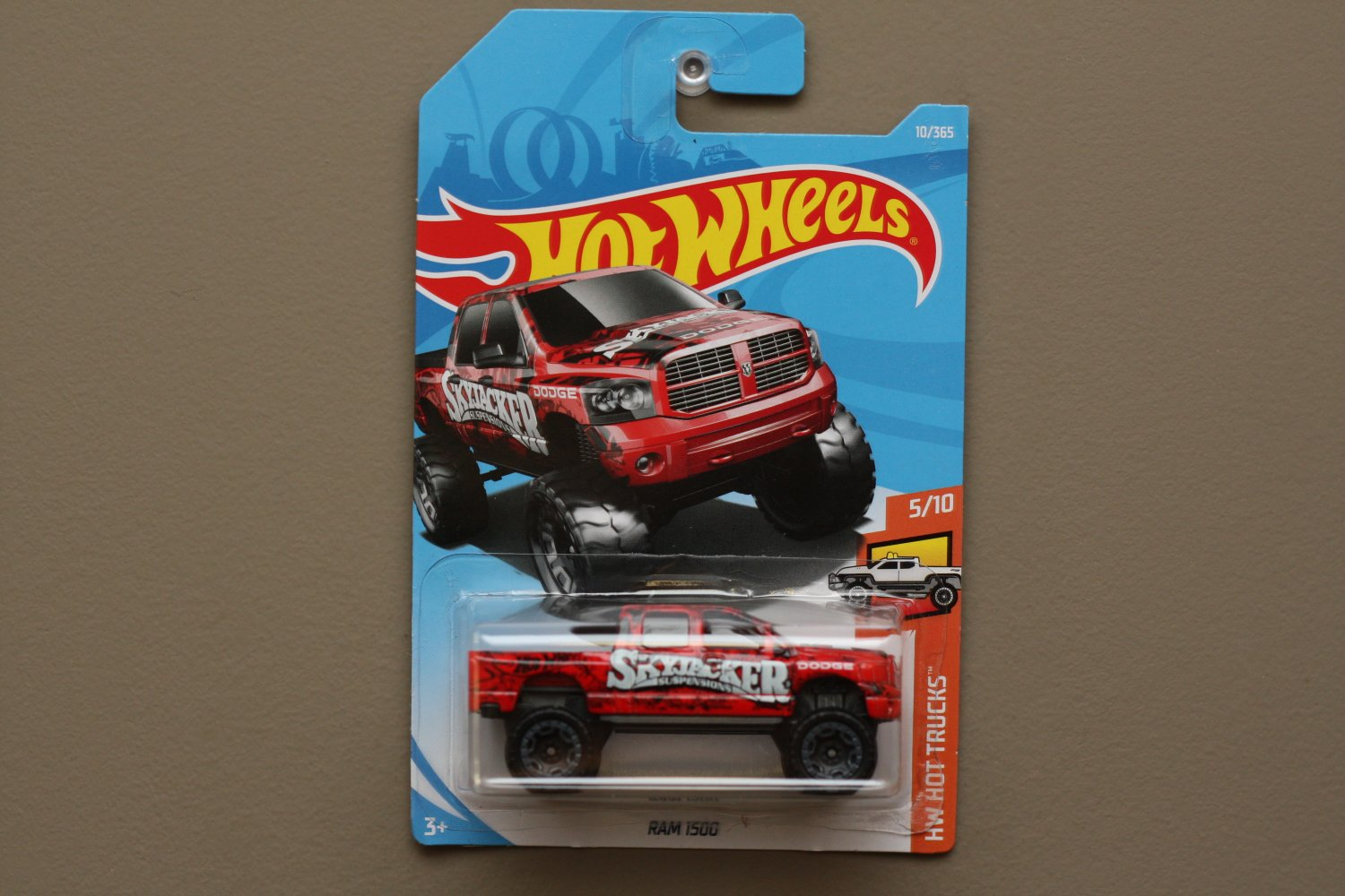 Hot Wheels 2018 HW Hot Trucks Dodge RAM 1500 (red) (SEE CONDITION)