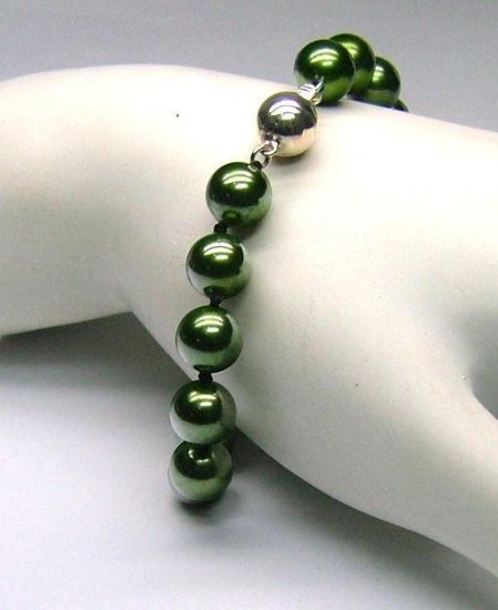 Green Shell Pearl Bracelet - 925 silver clasp