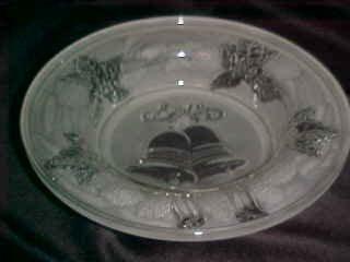 BEAUTIFUL CHRISTMAS PATTERN SATIN GLASS BOWL