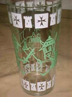 VINTAGE 1950S CARTOON PROMO FANTASY GLASS GREEN KNIGHTS