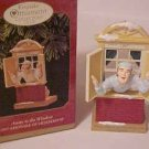 NEW HALLMARK CLUB ORNAMENT 1997 AWAY TO THE WINDOW