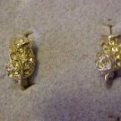 VINTAGE DAINTY SILVER CLEAR RHINESTONE SCREW EARRINGS