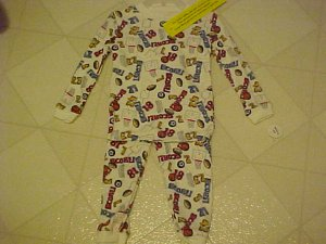 BRAND NEW BOYS  SZ 18 MO 2 PC SPORTS PATTERN PAJAMAS