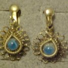 VINTAGE ORNATE BLUE STONE GOLD TONE SCREW BACK EARRINGS