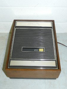 Vintage Magnavox - 8 Track Stereo Cartridge Player - Wood Case - RCA Outputs EC